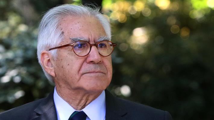"""Ministro Fernández por últimos ataques incendiarios y visita del Papa Francisco: """"No debería correr peligro"""""""