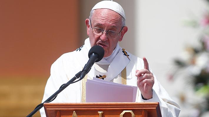 """Francisco y presencia de obispo Barros en misas: """"El día que me traigan una prueba voy a hablar"""""""