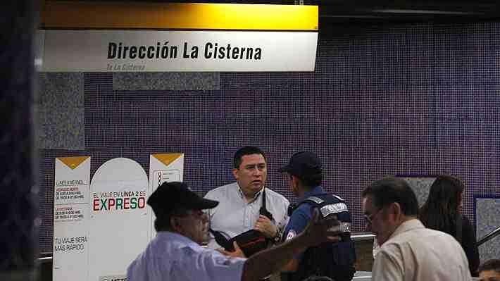 Metro mantiene cerradas tres estaciones tras desperfecto en vehículo de mantención en Línea 2