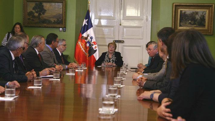 """Vivaldi tras encuentro con Bachelet: """"La nueva ley de educación superior es un gran triunfo"""""""