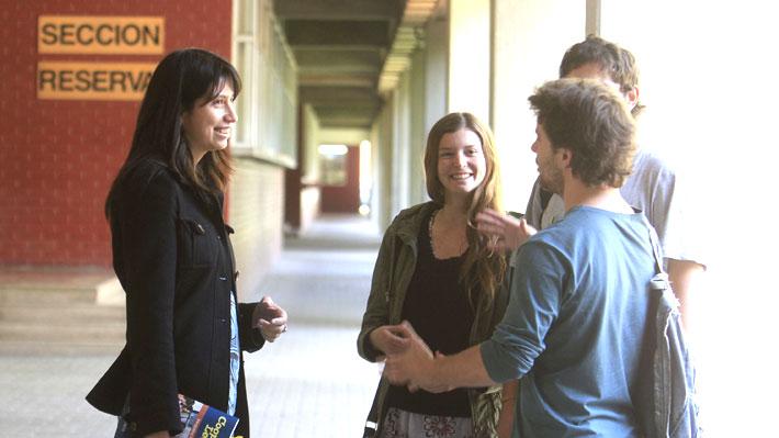 Cursos de nivelación para novatos: Cómo las universidades luchan contra la alta deserción