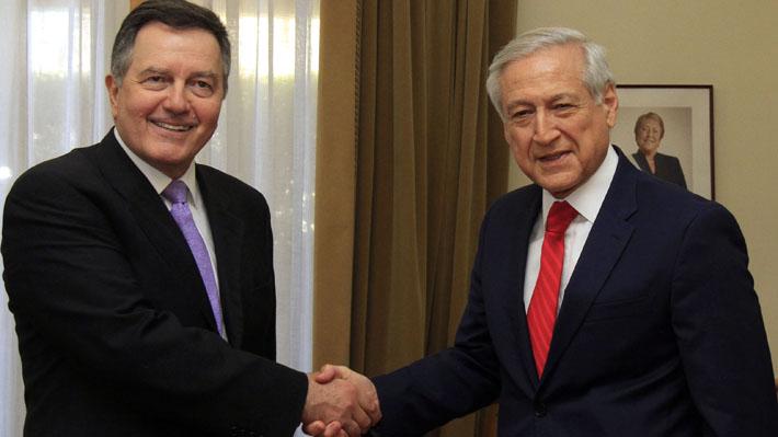 """Ampuero viajará a París con Muñoz para reunirse con abogados de La Haya: """"Se trata de los intereses de Chile"""""""