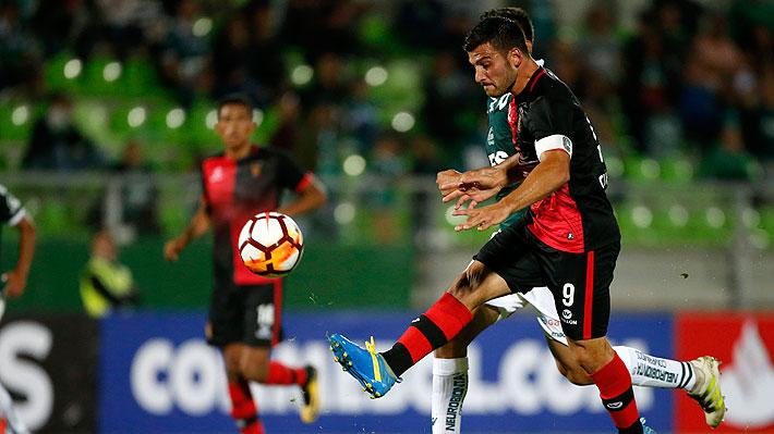 Un error defensivo y una brillante definición: Mira el golazo que le anotaron a Wanderers en la Libertadores