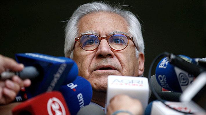 """Fernández recalca que el Gobierno """"nunca"""" habló de la renuncia de Villalobos y asegura que éste avisó de sus vacaciones"""