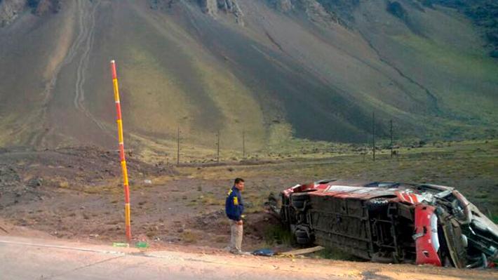 La hipótesis que manejan las autoridades argentinas sobre las causas del accidente del bus chilenos que dejó tres fallecidos