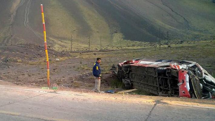 Accidente en Mendoza deja tres menores muertos, 13 heridos y familiares viajan a Argentina