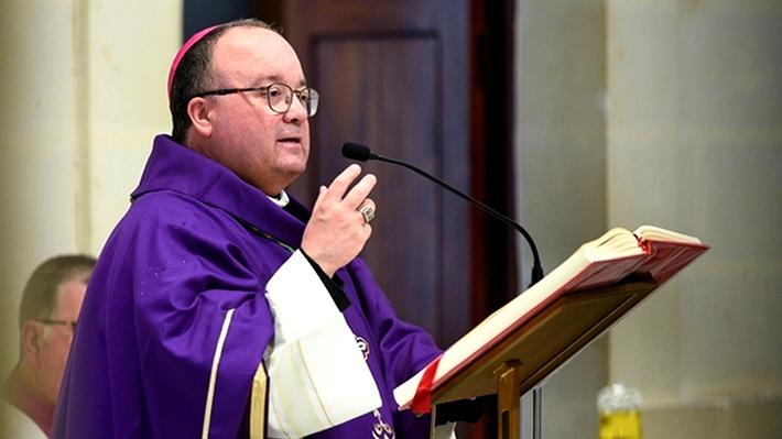 Arzobispo de Malta viajará a EE.UU. para entrevistar a víctima que acusa a obispo de Osorno de encubrir casos de abuso