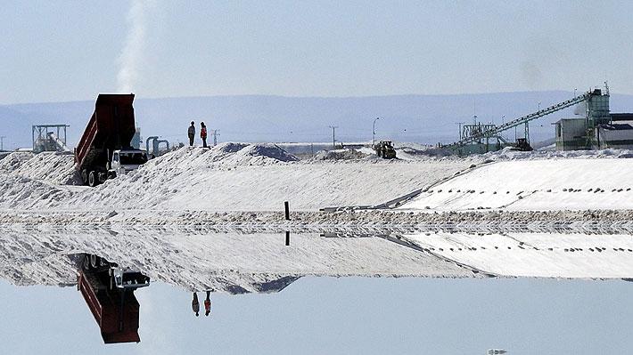 Boom de la electromovilidad: ¿Es posible una industria de baterías de litio en Chile?