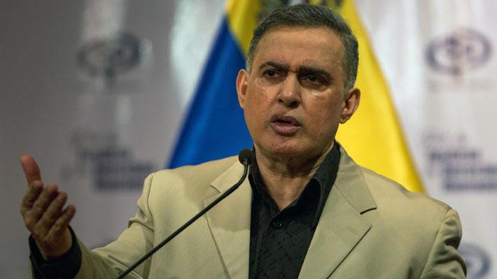 """Fiscal general de Venezuela denuncia plan de """"invasión militar"""" desde Colombia"""