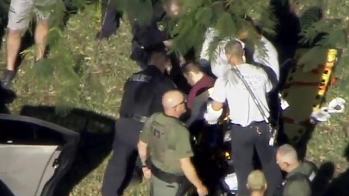 """""""Cargaba armas con él"""": Presunto autor del tiroteo en Florida fue expulsado de la escuela atacada por problemas """"disciplinarios"""""""