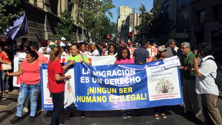 Desde discriminación hasta abuso laboral: Inmigrantes en Chile marchan para exigir amnistía migratoria