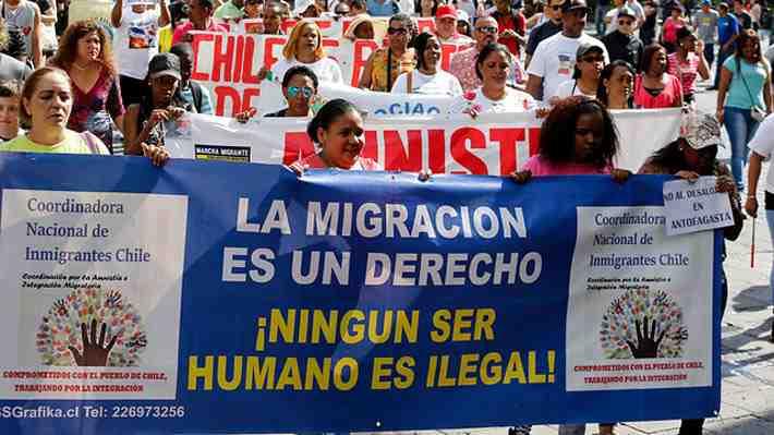 Agrupación de inmigrantes piden respuestas del gobierno a sus diversas quejas. Entérate de cuáles son y entra al debate.
