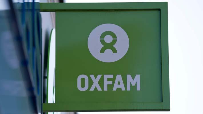 Escándalo sexual de Oxfam: Ex director de la ONG en Haití admitió haber pagado a prostitutas