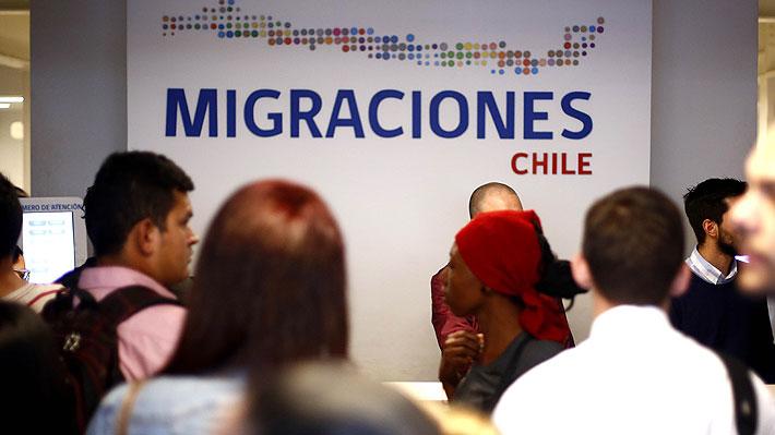 """Ley de Migraciones: Uno de los grandes """"pendientes"""" del Gobierno de Bachelet"""
