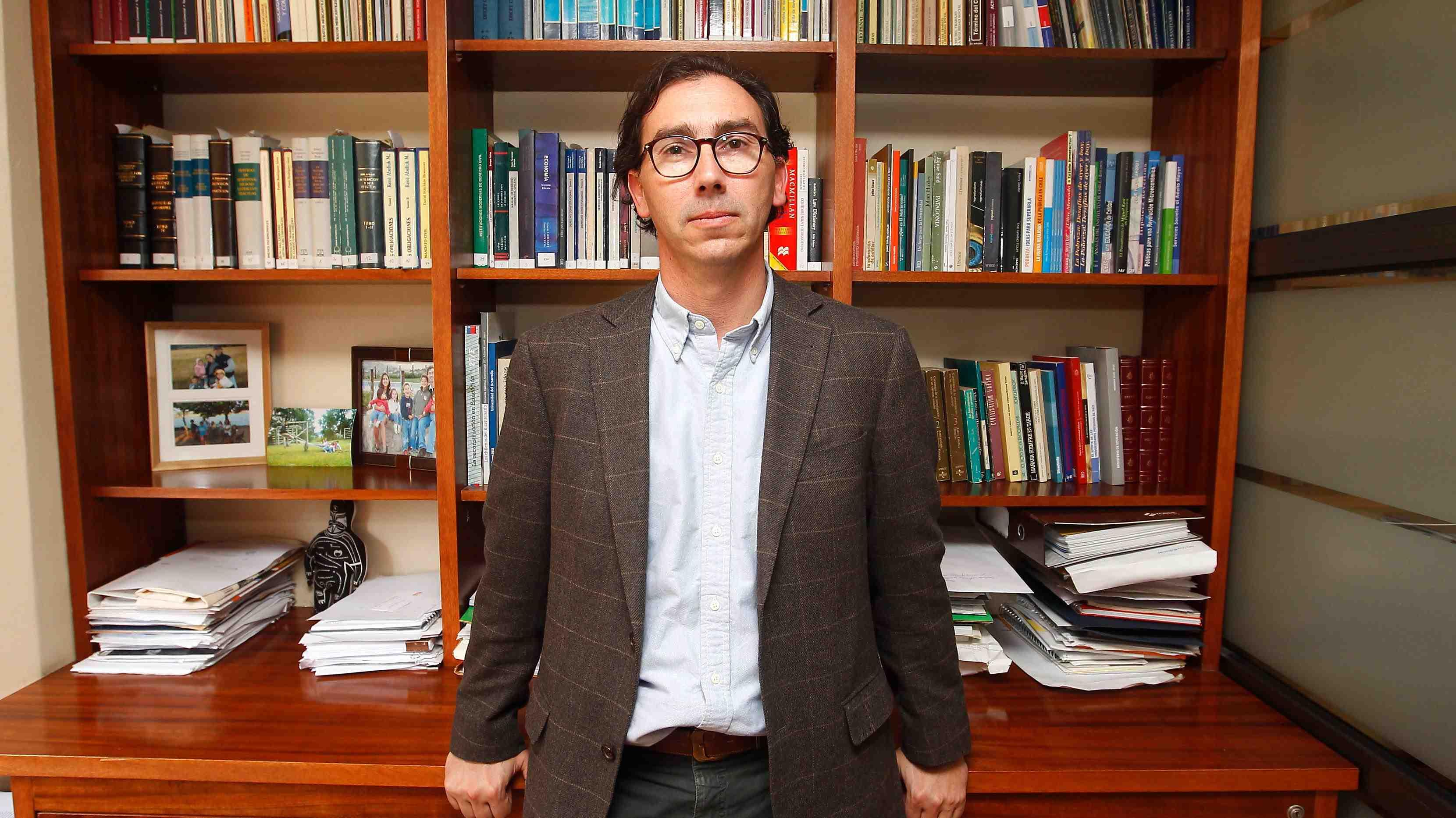 ¿Un perfil más técnico?: Expertos analizan a Raúl Figueroa, el nuevo subsecretario del Mineduc