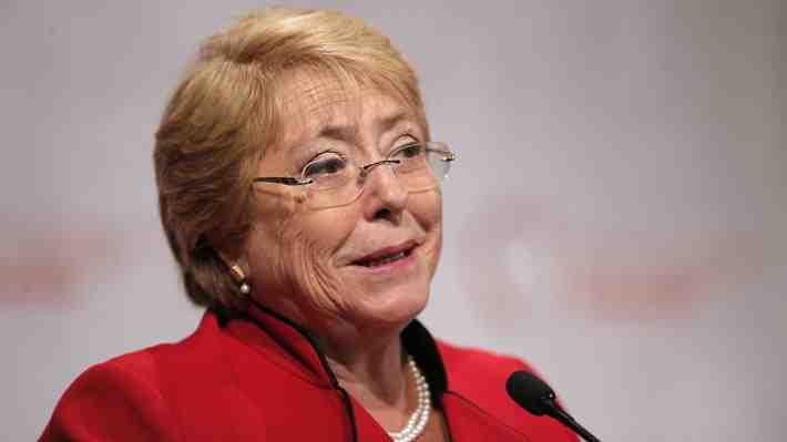 """Un 54% de chilenos considera """"mejor"""" el primer gobierno de Bachelet. ¿Estás de acuerdo?"""