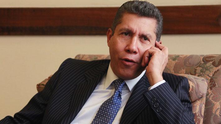 Candidato opositor pide reprogramar elecciones presidenciales en Venezuela al inscribir candidatura