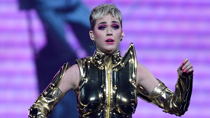 Katy Perry provoca la furia de independentistas de Cataluña por anuncio de concierto en Barcelona