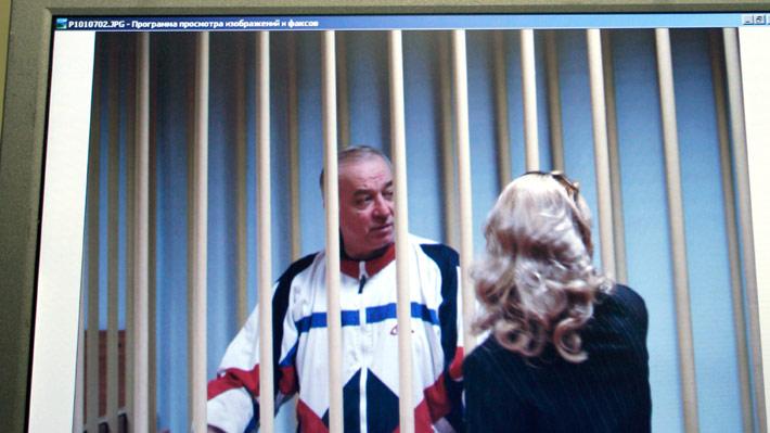 """Ex espía ruso permanece grave ante eventual exposición a """"sustancia desconocida"""" en Reino Unido"""