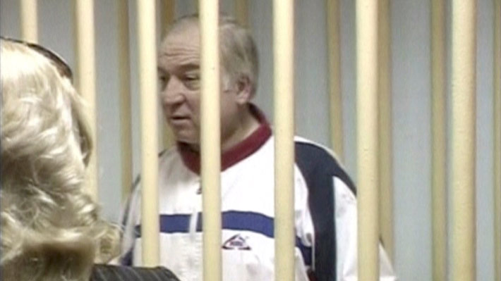 Quién es Sergei Skripal, el ex espía ruso presuntamente envenenado que recuerda el caso Litvinenko