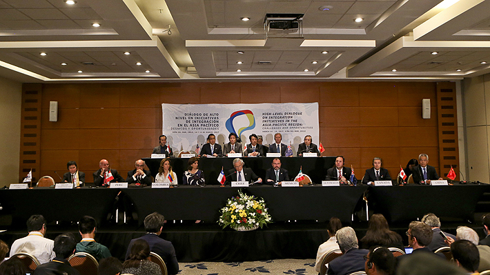 Sin EE.UU. once países dan señal de unidad y firman en Chile un nuevo TPP