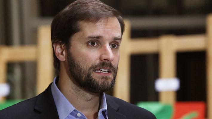Prohíben ingreso a Cuba al diputado Jaime Bellolio para participar de actividad de la disidencia