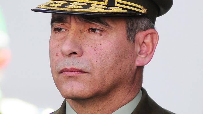 """""""Operación Huracán"""": Fiscalía concluye que informes de Carabineros """"son falsos"""" y prepara imputación a general Gonzalo Blu"""