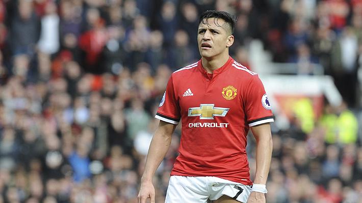"""Prensa inglesa critica """"decepcionante"""" nivel de Alexis: """"Otra presentación llena de errores de la supuesta estrella del United"""""""