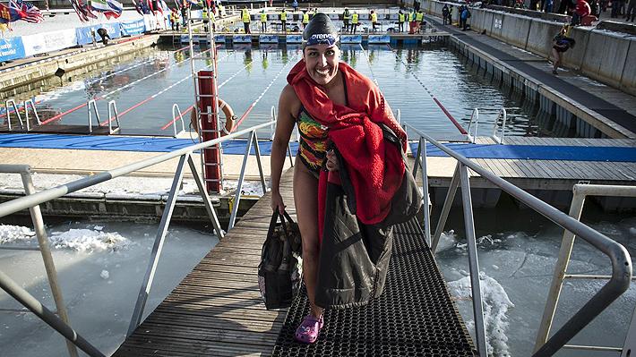 Histórico: Chilena Bárbara Hernández queda en el número 1 del ranking mundial de natación en aguas gélidas