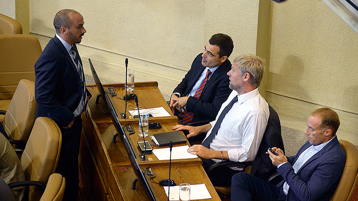 El gesto de RN con Evópoli: Partido le prestará diputado para poder formar bancada