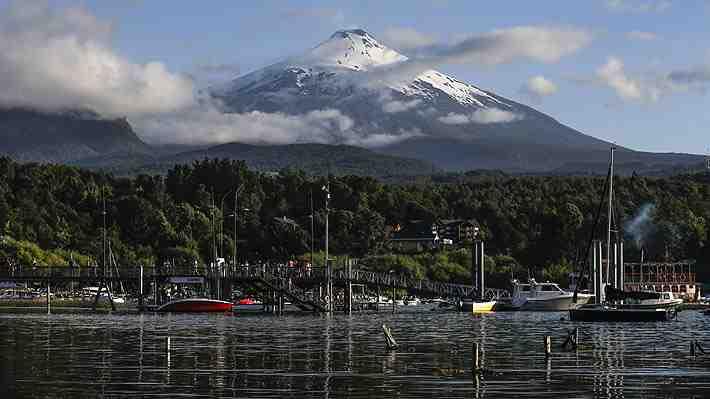 """¿Demasiado tarde?: Decreto declara al lago Villarrica como """"zona saturada"""" y obliga a plan de descontaminación. Debate."""