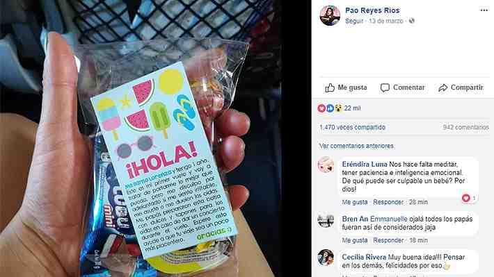Pasajeros de un avión reciben tierno mensaje de pareja que viajaba con su hija de un año