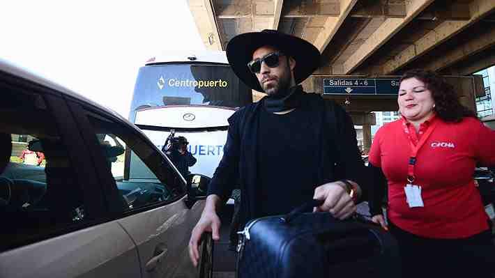 Claudio Bravo llega a Chile en silencio tras polémica y anuncia conferencia. ¿Que palabras esperas escuchar del Capitán?