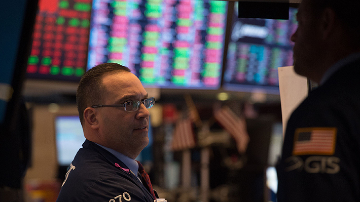 Desplome de las acciones de Facebook golpea duro a Wall Street