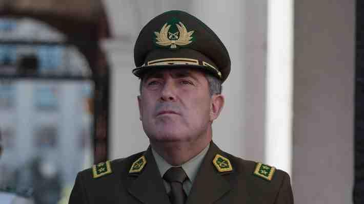 Aprueban amplia renovación en Carabineros: Pasan a retiro a 15 generales. ¿Qué te parece?