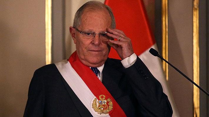 """Columna de Fernando Tuesta: """"Así se fue PPK, sin pena ni gloria, por la puerta trasera de Palacio de Gobierno"""""""