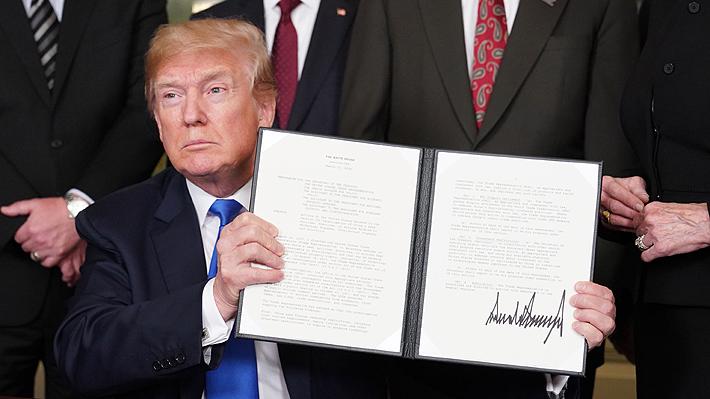 Se aviva temor a una guerra comercial: Trump impone aranceles a China por hasta US$60.000 millones