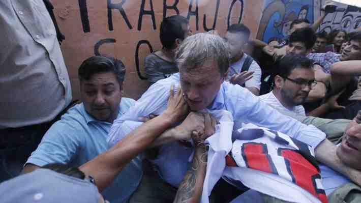 La agresión a José Antonio Kast: ¿Intolerancia o reacción a un discurso provocador?
