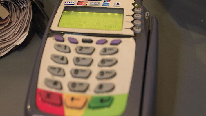SBIF monitorea las razones de la caída de Transbank que afectó masivamente a usuarios