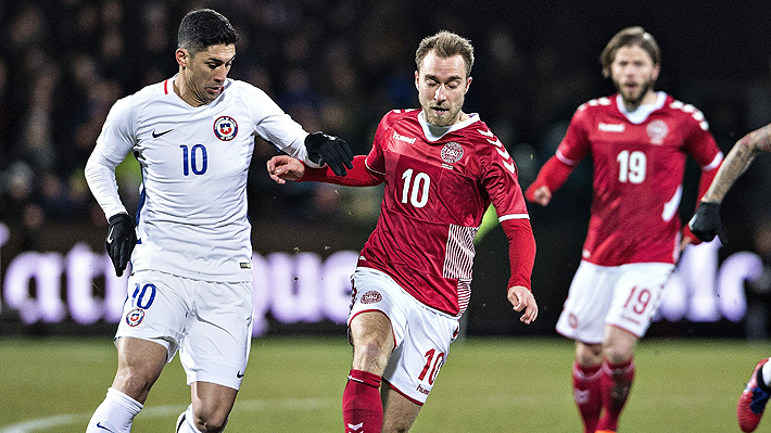 Con Johnny Herrera como figura, Chile rescató un tibio empate sin goles ante Dinamarca