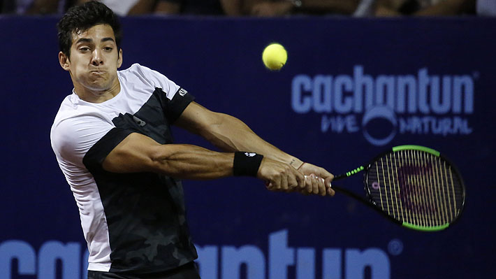 Christian Garín juega un gran partido y vence al 70° del mundo para avanzar a cuartos del Challenger Le Gosier