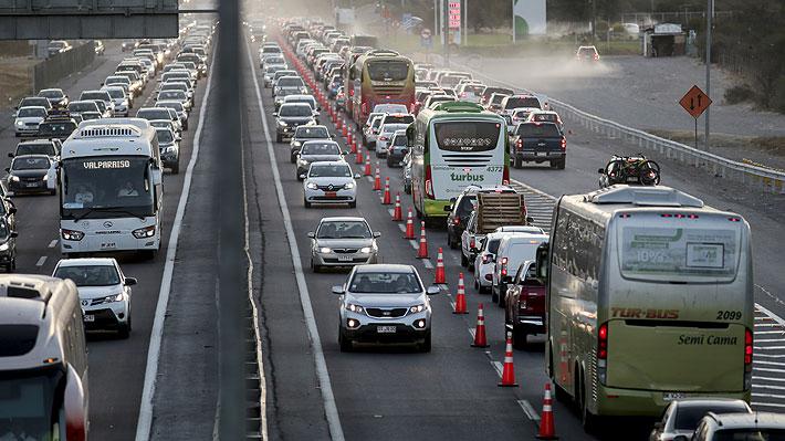 """""""Colapso histórico"""": Los ejes de la mesa que convocará el MOP y lo que dice el programa de Piñera sobre infraestructura vial"""