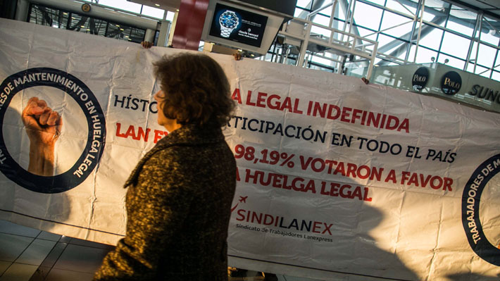 Tripulantes de Lan Express anuncian huelga tras no llegar a acuerdo con la empresa