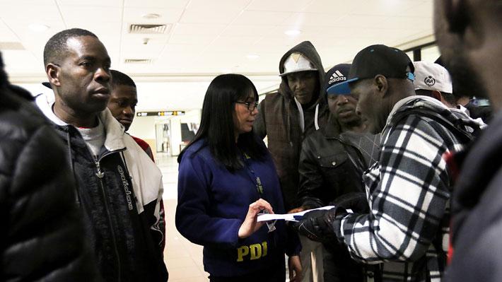 """Ubilla niega que proyecto de migración sea racista: """"Los países tienen derecho a decidir criterios de ingreso"""""""