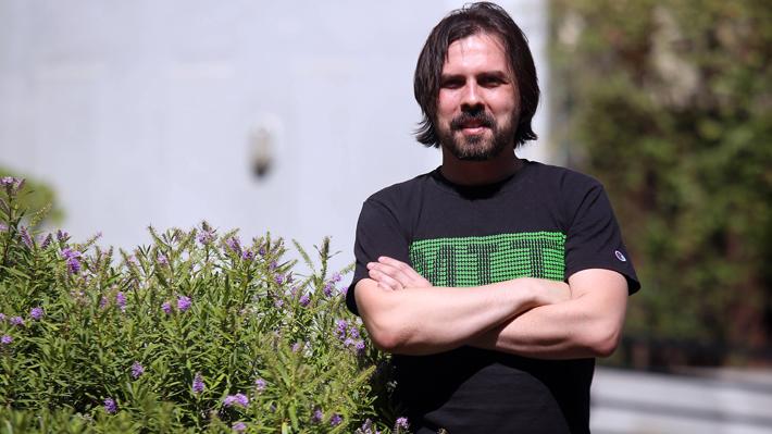 Físico chileno trabaja en proyecto para reemplazar a los políticos por inteligencia artificial
