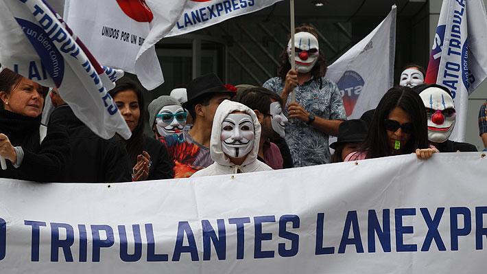Latam y sindicato de trabajadores de cabina llegan a acuerdo tras una semana de huelga