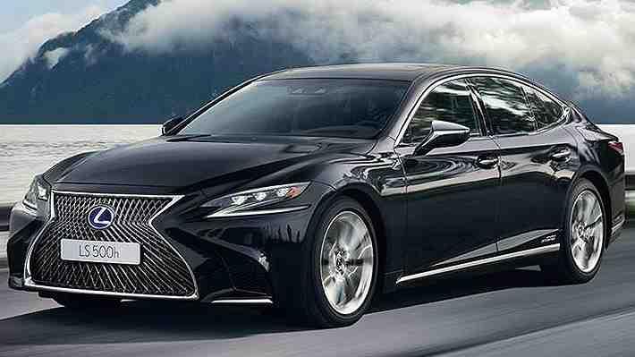Presidente Piñera anula compra de vehículo Lexus que sería utilizado para su traslado