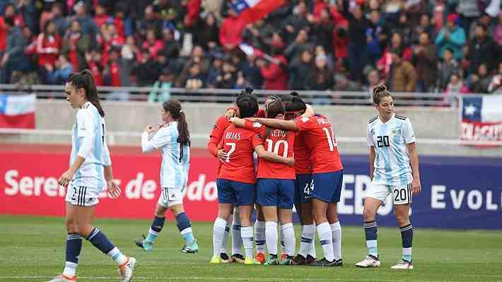 """Chile casi asegurado en Mundial. ¿Qué te pareció el desempeño de la """"Roja"""" femenina con Argentina?"""