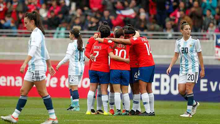 Prensa argentina lamenta fracaso ante selección femenina de fútbol. ¿Qué te parecen las opiniones?