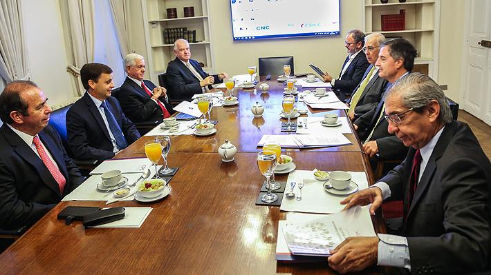 CPC crea inédito Comité de Estrategia Digital y programa reuniones con CEO de Microsoft y Jeff Bezos